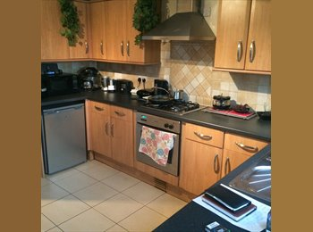 EasyRoommate UK - Double room Price negotiable . 5 min away from train station to central London, The Wrythe - £750 pcm