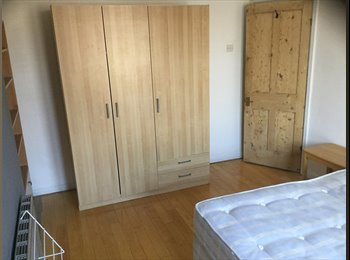 EasyRoommate UK - Double sized room in Copnor., Portsea Island - £355 pcm