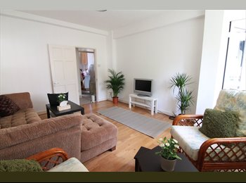 EasyRoommate UK - 4-5 bedroom Close to Central London rooms, Kilburn - £700 pcm