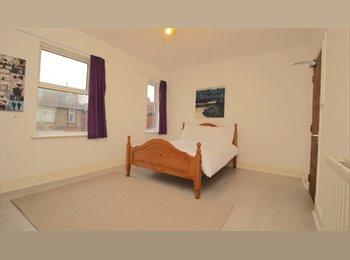 EasyRoommate UK - large room , Wellingborough - £375 pcm