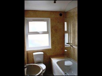 EasyRoommate UK - Double room SW15 Putney London , Wandsworth - £800 pcm