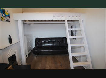 EasyRoommate UK - Studio double rooms , Far Cotton - £550 pcm