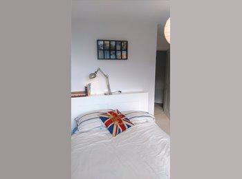 EasyRoommate UK - Town Centre, double bedroom, Basingstoke, Basingstoke - £500 pcm
