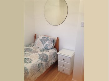 EasyRoommate UK - Monday to Friday Clean & Bright single room in Wootton, Wootten - £360 pcm