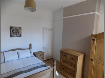 EasyRoommate UK - Look NO Further - Spacious Double &  Single Rooms, Newtown - £360 pcm