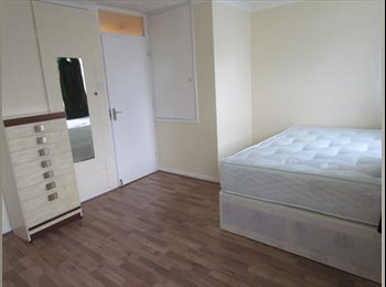 EasyRoommate UK - SINGLE ROOM AVAILABLE NOW IN A BEAUTIFUL HOUSE, Dollis Hill - £563 pcm