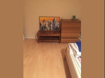 EasyRoommate UK - Beautiful Room share with another female in Canning Town, Canning Town - £320 pcm