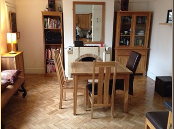 EasyRoommate UK - Homely Home - High Standard Furnished House, Maindy - £295 pcm