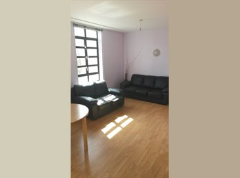 EasyRoommate UK - Cheap rooms in the heart of Croydon, Waddon - £375 pcm