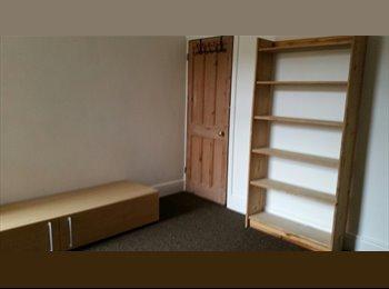 EasyRoommate UK - 3 Bed House recently refurbished, Stoke Aldermoor - £1,385 pcm