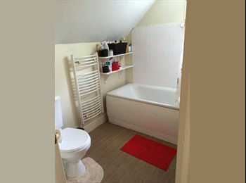 EasyRoommate UK - Double room available in house, Boscombe - £560 pcm