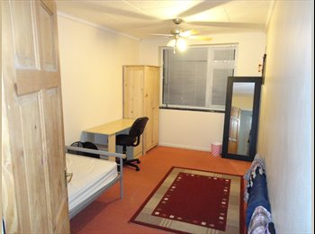 EasyRoommate UK - Double room kidlington female  £550 bills +wifi incl, parking, Kidlington - £550 pcm