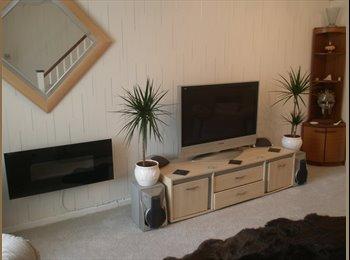 EasyRoommate UK - Quiet Suburban house  Lovely Views , Tamerton Foliot - £600 pcm