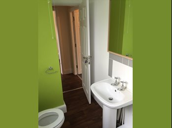 EasyRoommate UK - 1 En-suite Room Available in Shared House in Wolverhampton (All bills incl), Wolverhampton - £350 pcm