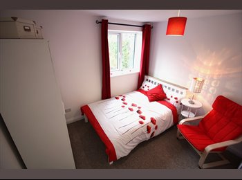 EasyRoommate UK - NEW Double Ensuites; Couples welcome, Southmead - £550 pcm