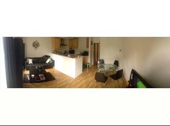 EasyRoommate UK - Dbl bedroom in lovely flat- bills incl- Hackney, Hackney - £800 pcm