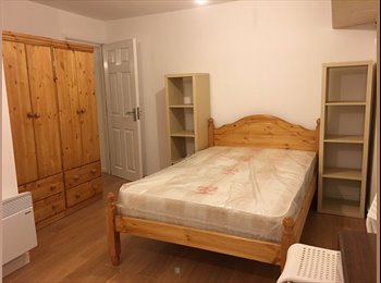 EasyRoommate UK - Modern Studio Available, Only 14 minutes walk to Cov Uni., Barras Heath - £500 pcm