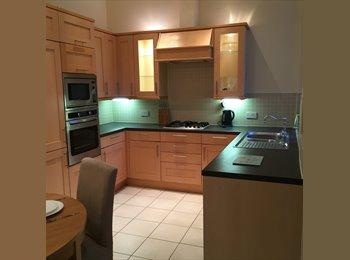 EasyRoommate UK - Modern Apartment in Woodford London  , Woodford Bridge - £800 pcm