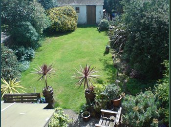 EasyRoommate UK - Large Double Bedroom in Friendly House -All Bills Included!, Seven Kings - £540 pcm