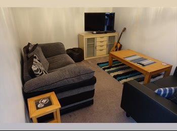 EasyRoommate UK - Double Room in lovely big re-decorated House, Havant - £425 pcm