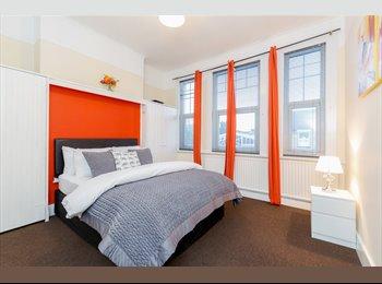 EasyRoommate UK - NO DEPOSIT NEEDED**5 Luxury Large DOUBLE ROOMS , Selhurst - £590 pcm
