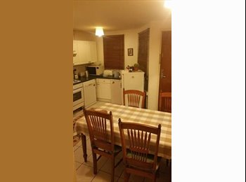 EasyRoommate UK - Furnished double room in central Croydon, Waddon - £550 pcm