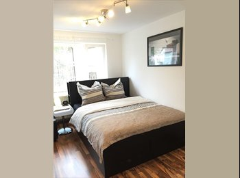 EasyRoommate UK - Modern Luxury 1 Bedroom Flat £350pcm all bills included !! , Frizinghall - £350 pcm