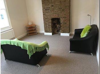 EasyRoommate UK - Converted 1st+2ndFloor 2 Double Bed Flat SeparateDiningSittingRm BathShower2WC Very NearTubeBusWestf, Shepherds Bush - £1,700 pcm