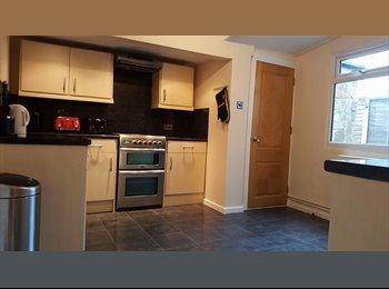 EasyRoommate UK - Double room in Havant , Havant - £433 pcm