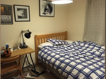 EasyRoommate UK - Lovely Double Room available - Great House and Location, Martock - £300 pcm