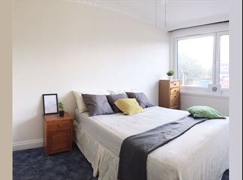 EasyRoommate UK - 2 Double Rooms next to Surrey Quays station , Rotherhithe - £700 pcm