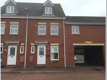 EasyRoommate UK - Large Double Room to Rent in a Modern Town House Weston Super Mare, Weston-super-Mare - £400 pcm