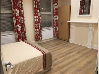 EasyRoommate UK - Superb spacious double rooms, Peckham - £800 pcm