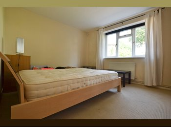 EasyRoommate UK - Stunning Doubles By Clapham Common Station!, Clapham - £802 pcm