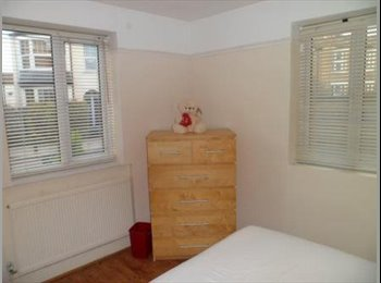 EasyRoommate UK - Extra Large All Inclusive double room to rent in East Finchley close to local amenities, Fortis Green - £590 pcm
