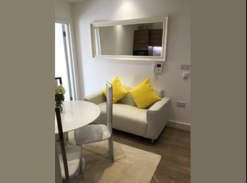 EasyRoommate UK - Serviced Rooms in Docklands, Deptford - £850 pcm