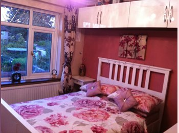 EasyRoommate UK - Fully Furnished Double Room in Hounslow, Heston - £550 pcm