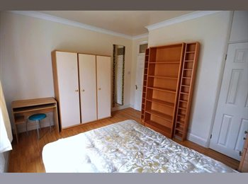 EasyRoommate UK - Live in East Finchley at a cheap price!!Dont miss it, East Finchley - £560 pcm
