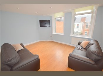 EasyRoommate UK - ROOMS AVAILABLE IN PROF SHARE IN HEATON FROM 28/08/17 - £375pcm, Heaton - £375 pcm