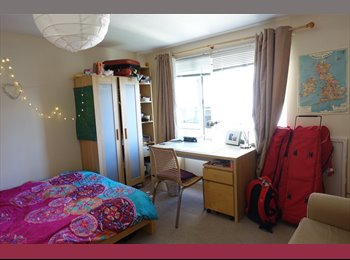 EasyRoommate UK - A Room with a View, Old Town - £605 pcm