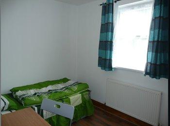 EasyRoommate UK - Single room in Leyton, 285, Stratford - £540 pcm