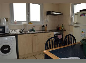 EasyRoommate UK -  Nice Double Room, Hackney, Close to Station Asap , Hackney - £606 pcm