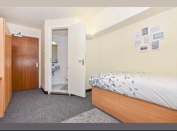 EasyRoommate UK - Single Room Available , Preston - £604 pcm