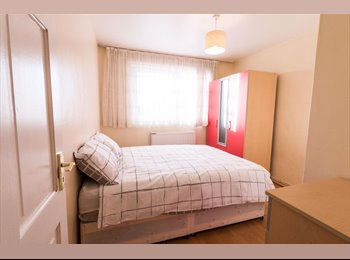 EasyRoommate UK - ** Bright Double room in King's Cross/Angel **, Barnsbury - £910 pcm