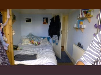 EasyRoommate UK - Nice, cheap room available in friendly Chorlton house-share from early April, Whalley Range - £213 pcm
