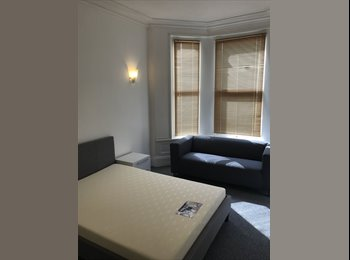 EasyRoommate UK - Plymouth Double room pl4, Barbican - £368 pcm