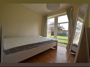 EasyRoommate UK - Brand NEW Double In Apartment In Wimbledon!, Wimbledon - £520 pcm