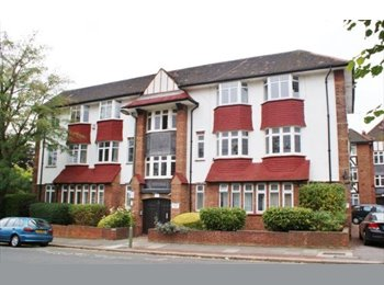 EasyRoommate UK - Large Double Room in North London (Couples welcome), Golders Green - £725 pcm