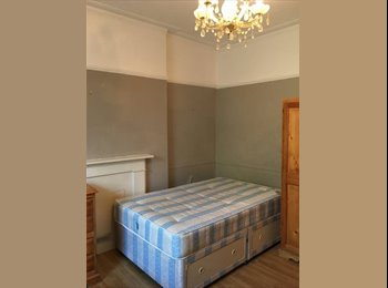 EasyRoommate UK - Studio To Rent, Holland Park - £498 pcm