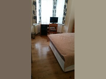 EasyRoommate UK - Great location green surroundings , Crystal Palace - £500 pcm